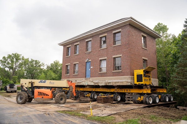 Arts for Lawrence Visual Communications Building's Historic Move